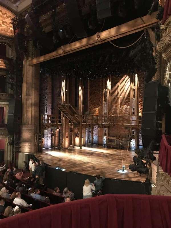 CIBC Theatre, secção: Dress Circle Box 2, fila: 2, lugar: 212