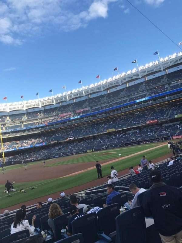 Yankee Stadium, secção: 127b, fila: 1, lugar: 9