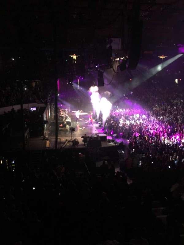 Allstate Arena, secção: 204, fila: b, lugar: 8