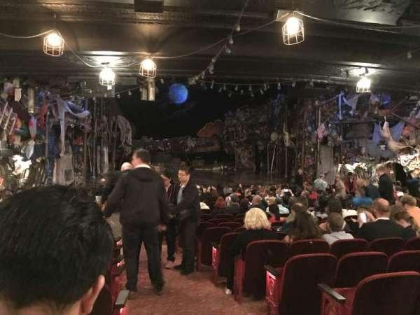 Neil Simon Theatre, secção: Orchestra L, fila: U, lugar: 1
