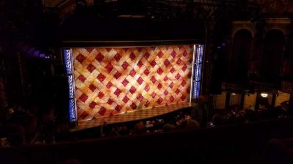 Brooks Atkinson Theatre, secção: Rear Mezzanine L, fila: F, lugar: 1