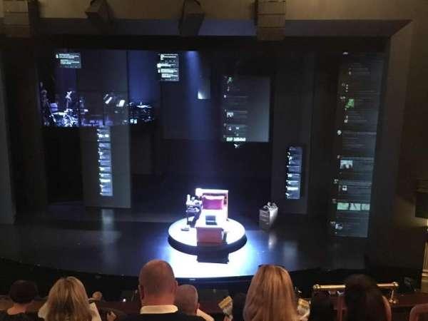 Music Box Theatre, secção: Mezzanine C, fila: F, lugar: 103