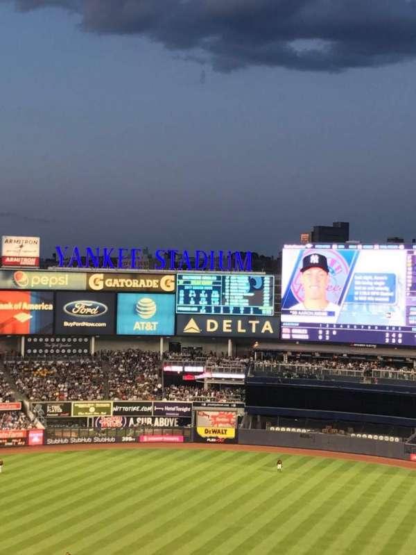 Yankee Stadium, secção: 318, fila: 6, lugar: 3