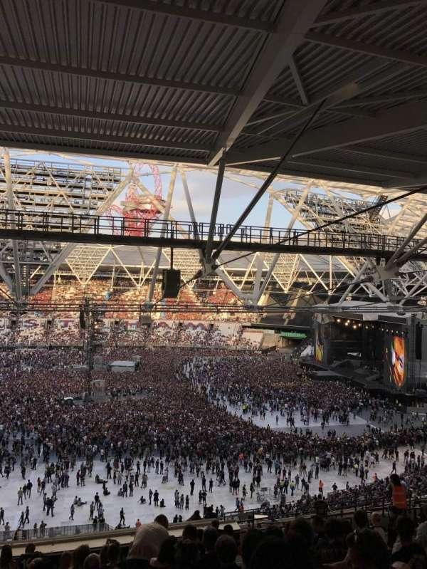 London Stadium, secção: 208, fila: 67, lugar: 15