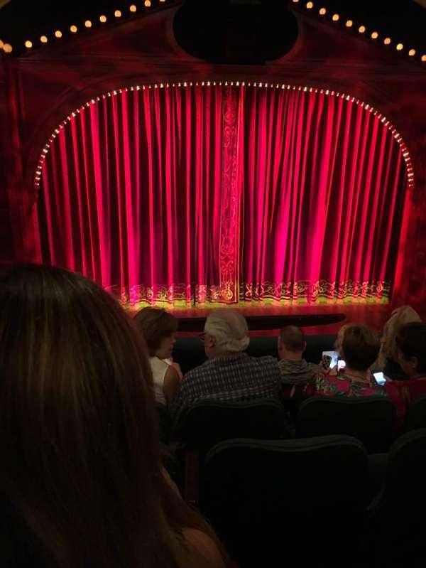 Shubert Theatre, secção: Mezzanine C, fila: E, lugar: 112