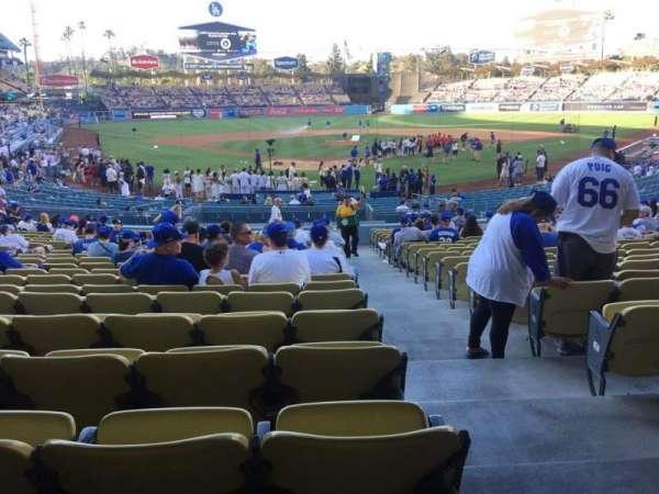 Dodger Stadium, secção: 2fd, fila: W, lugar: 13