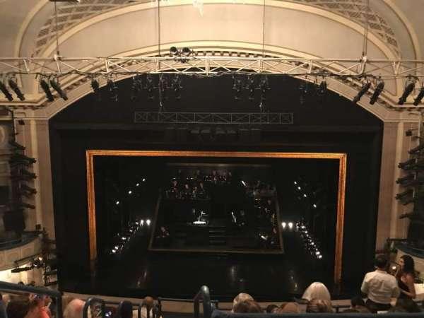 Ambassador Theatre, secção: Rear Mezzanine C, fila: A, lugar: 110