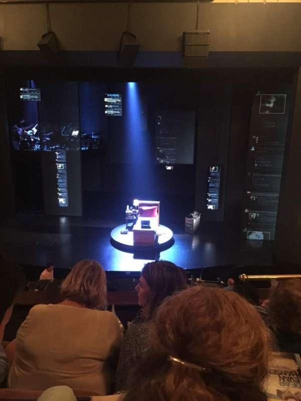 Music Box Theatre, secção: Mezzanine C, fila: D, lugar: 102
