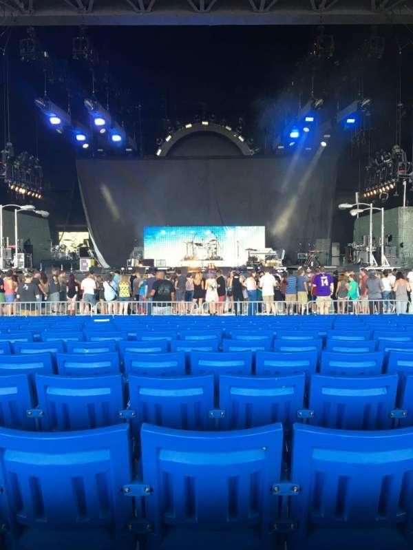 PNC Music Pavilion, secção: 2, fila: U, lugar: 21