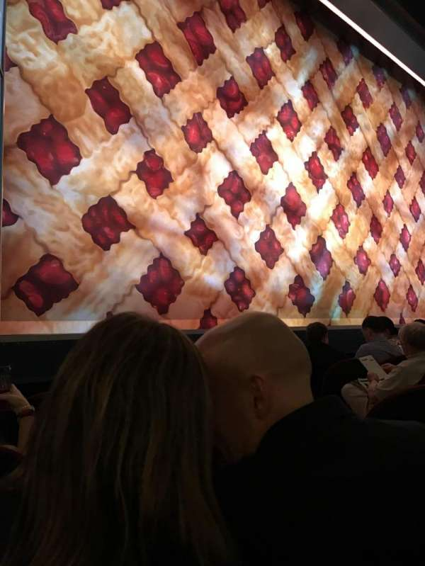 Brooks Atkinson Theatre, secção: Orchestra L, fila: c, lugar: 9