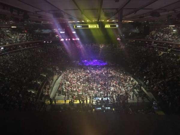 Madison Square Garden, secção: 304, fila: 14, lugar: 1