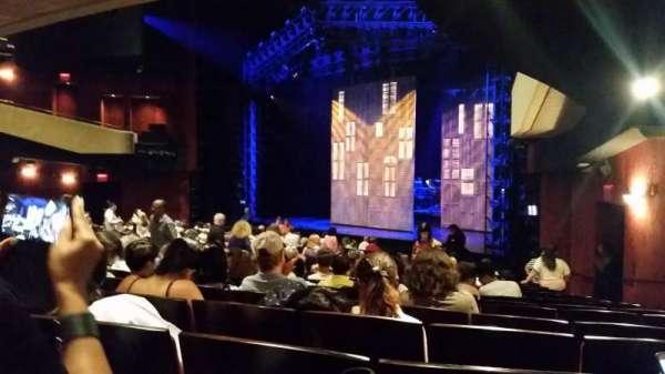Marquis Theatre, secção: orchestra Right, fila: T, lugar: 28