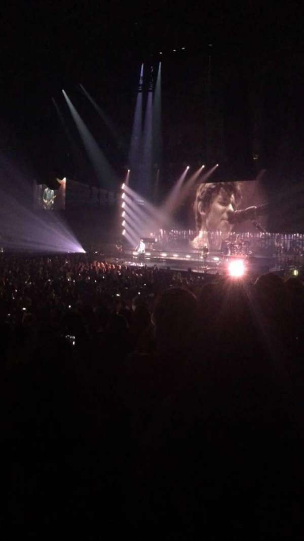 Allstate Arena, secção: 111, fila: L, lugar: 15