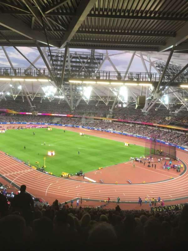 London Stadium, secção: 216, fila: 68, lugar: 75
