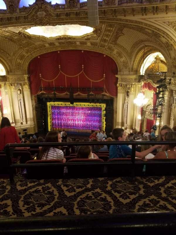 Citizens Bank Opera House, secção: Balcony, fila: P, lugar: 24