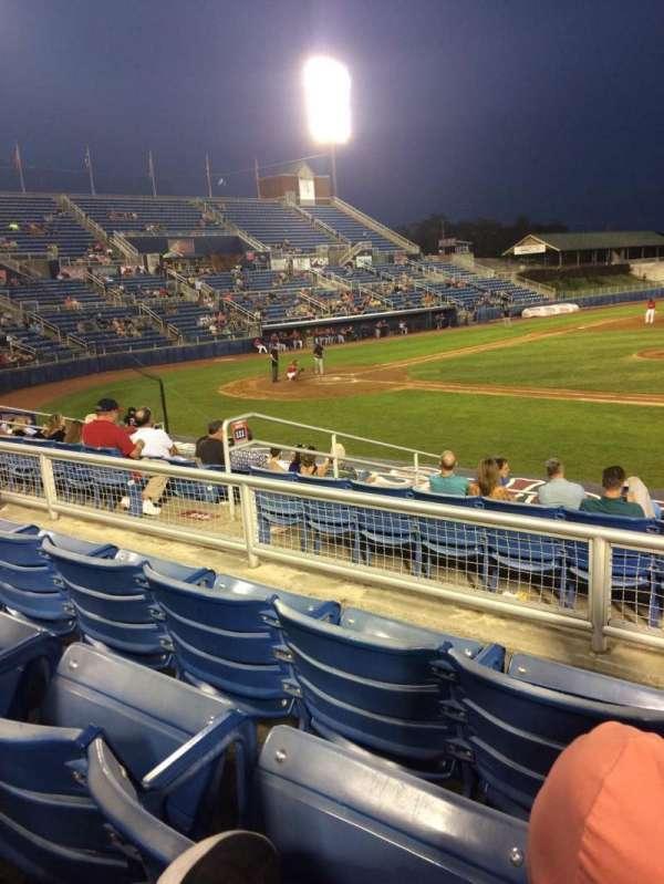 Salem Memorial Baseball Stadium, secção: 211, fila: L, lugar: 20