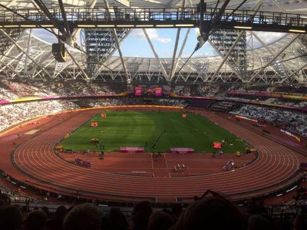 London Stadium, secção: 250, fila: 64, lugar: 009