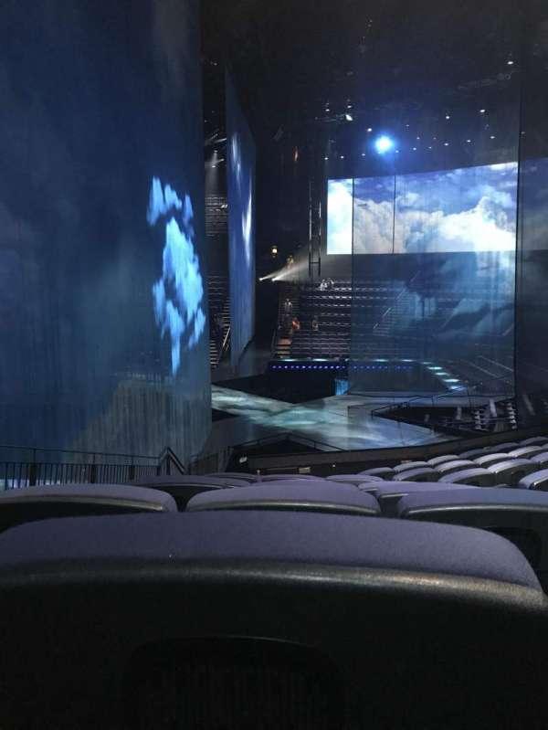Love Theatre - The Mirage, secção: 204, fila: S, lugar: 2