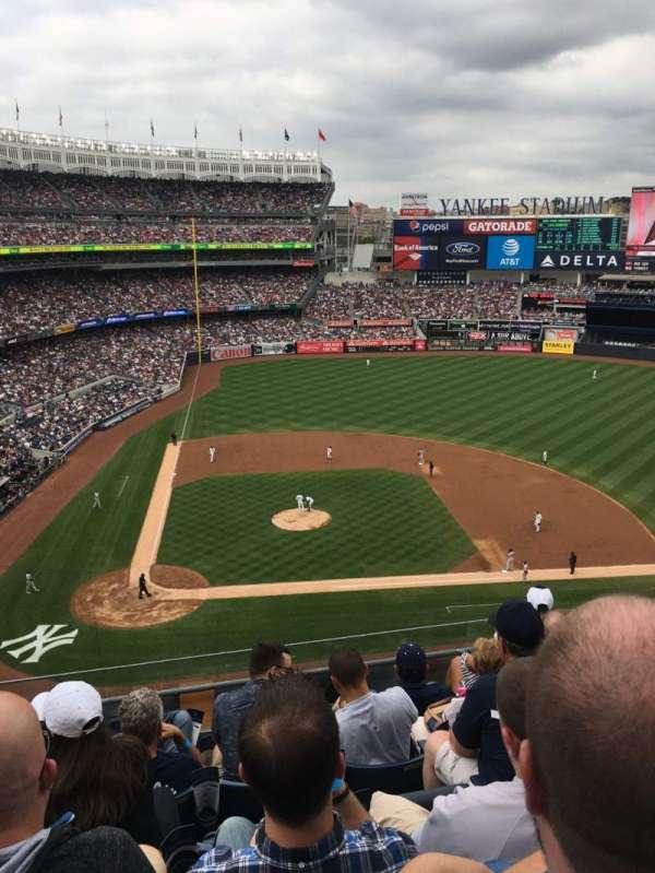 Yankee Stadium, secção: 317, fila: 6, lugar: 9