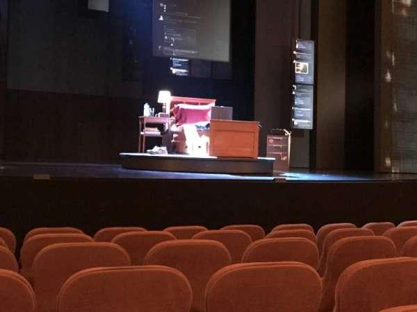 Music Box Theatre, secção: Orchestra C, fila: G, lugar: 112