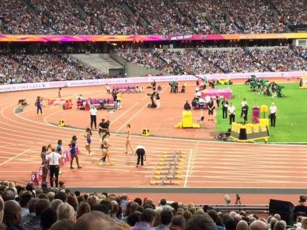 London Stadium, secção: 103, fila: 21, lugar: 422