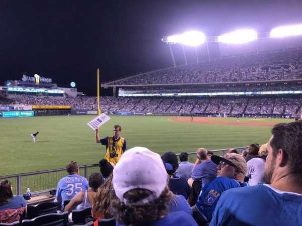Kauffman Stadium, secção: 108, fila: P, lugar: 15