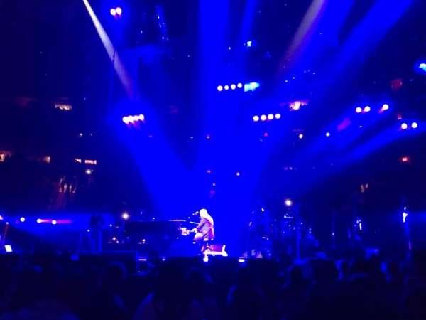 Madison Square Garden, secção: Floor, fila: 6, lugar: 1