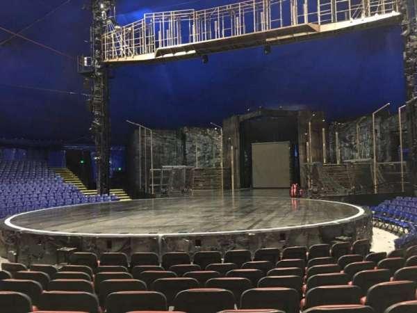 Cirque Du Soleil - Volta, secção: 102, fila: E