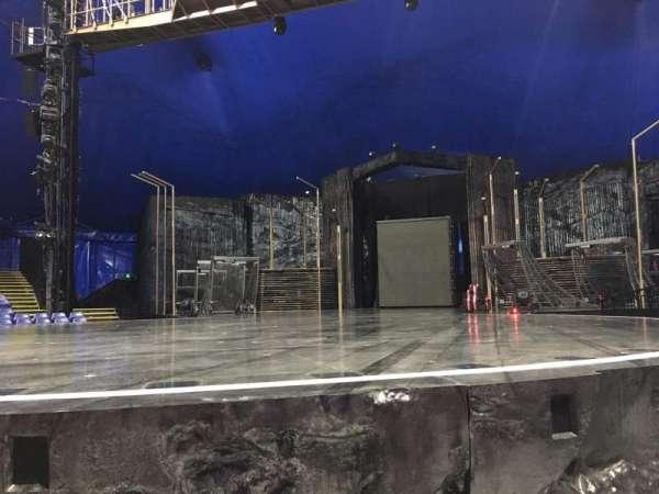Cirque Du Soleil - Volta, secção: 102, fila: AA