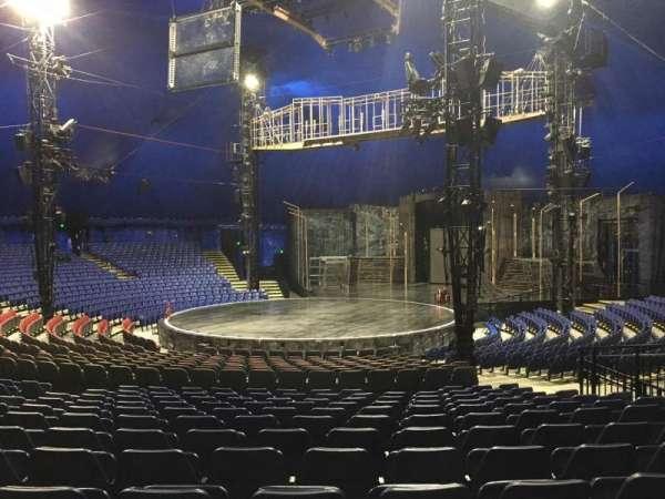 Cirque Du Soleil - Volta, secção: 202, fila: Q