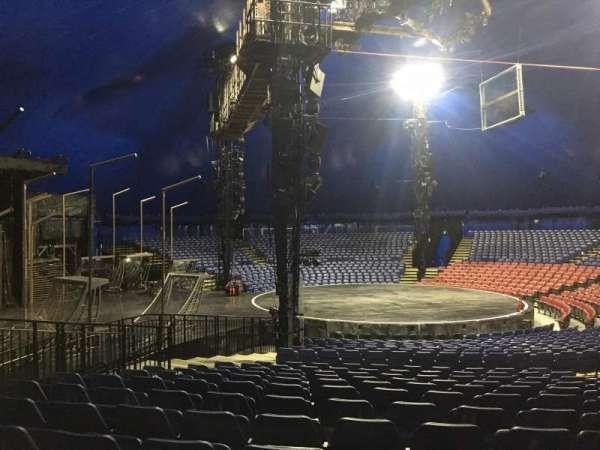 Cirque Du Soleil - Volta, secção: 205, fila: Q