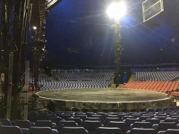 Cirque Du Soleil - Volta, secção: 205, fila: H