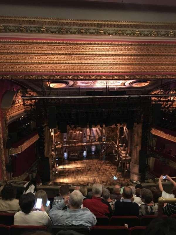 CIBC Theatre, secção: Balcony LC, fila: J, lugar: 413