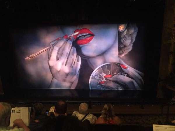 Nederlander Theatre, secção: Mezzanine C, fila: E, lugar: 111