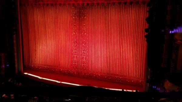 New Amsterdam Theatre, secção: Mezzanine R, fila: CC, lugar: 10,12,14