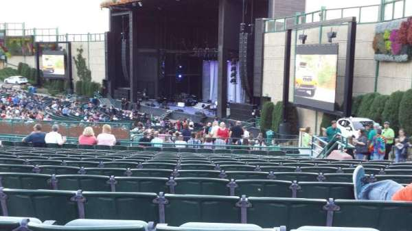 Fiddler's Green Amphitheatre, secção: 201, fila: P, lugar: 208