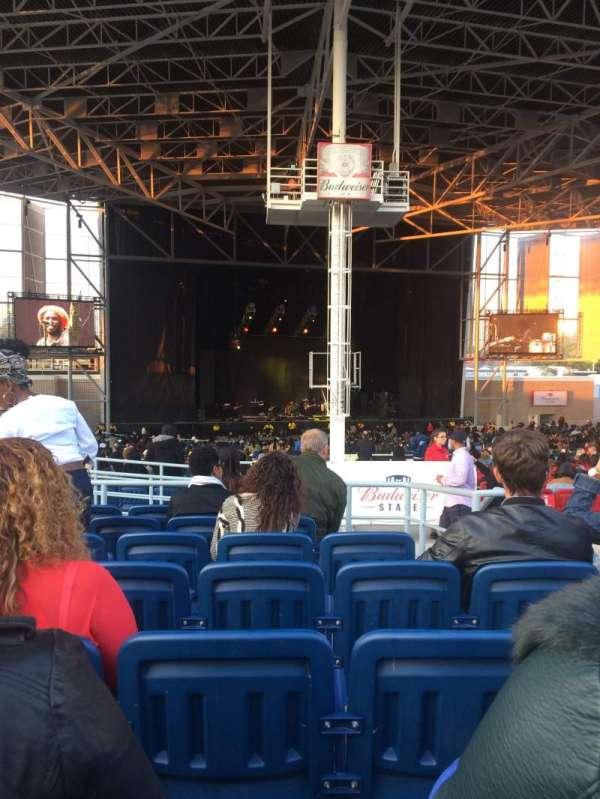 Budweiser Stage, secção: 407, fila: g, lugar: 3