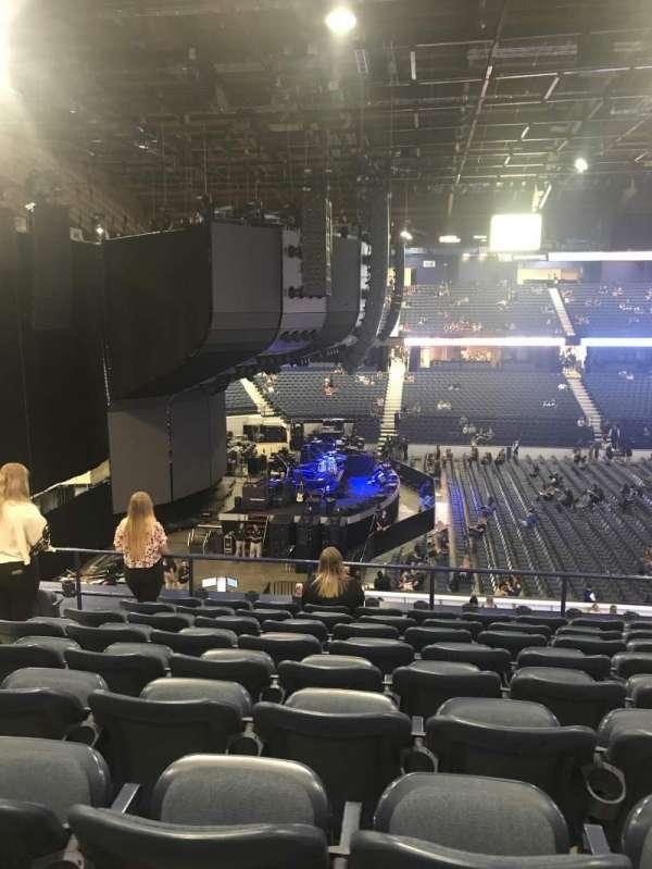 Allstate Arena, secção: 203, fila: J, lugar: 28