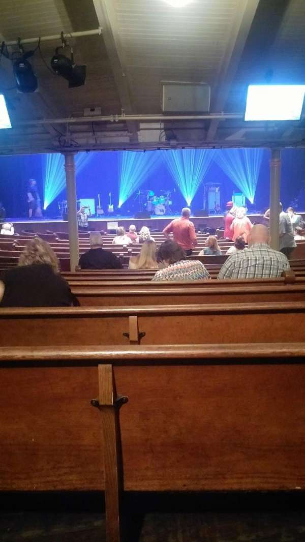 Ryman Auditorium, secção: MF-5, fila: W, lugar: 10