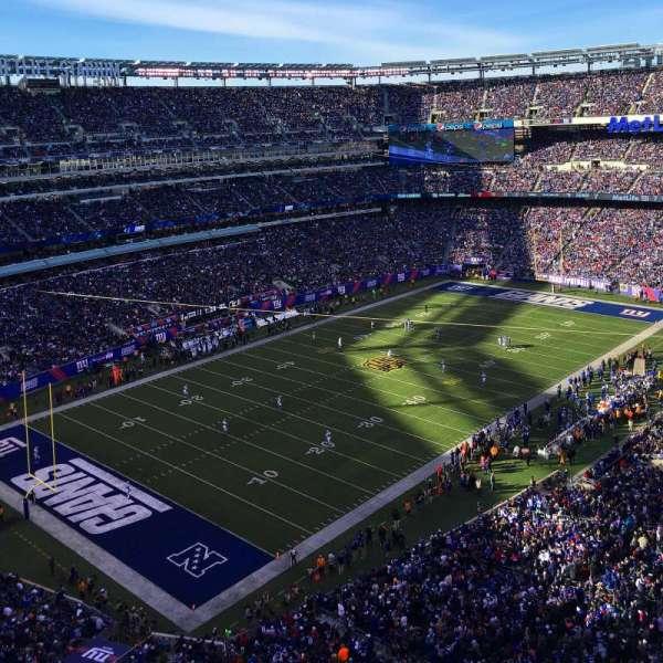 MetLife Stadium, secção: 320, fila: 6, lugar: 9