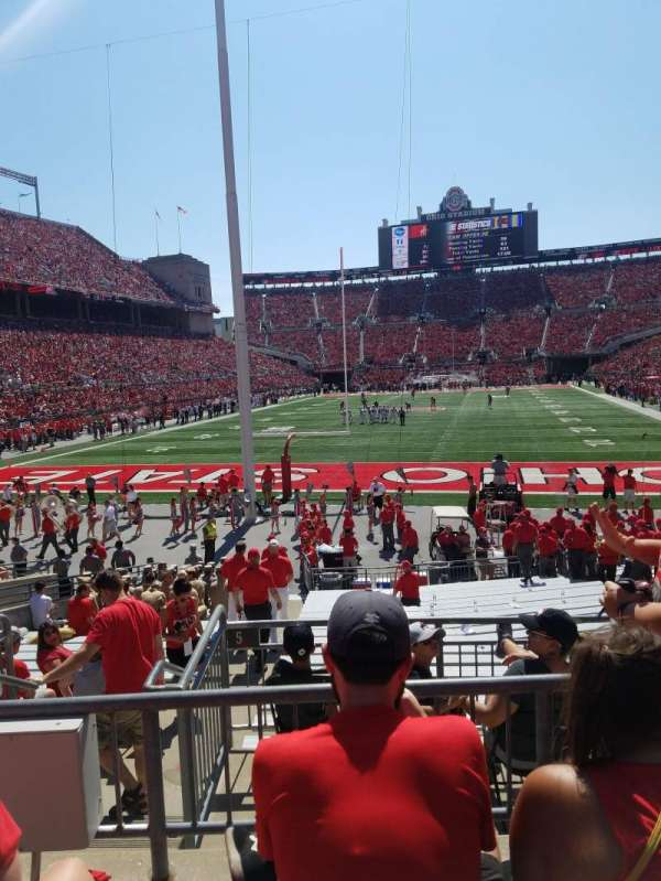 Ohio Stadium, secção: 3a, fila: 3, lugar: 9