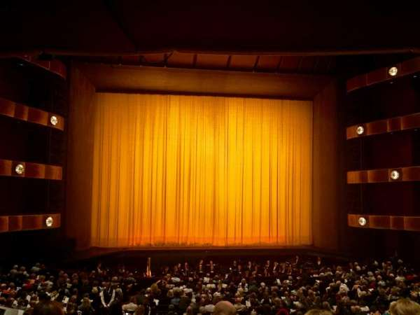 David H. Koch Theater, secção: 1st tier, fila: Row D, lugar: 104