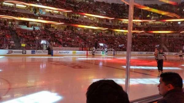 Honda Center, secção: 224, fila: B, lugar: 8