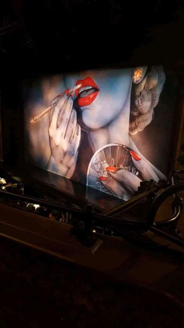 Nederlander Theatre, secção: Mezzanine R, fila: B, lugar: 24