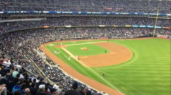 Yankee Stadium, secção: 310, fila: 8W, lugar: 1