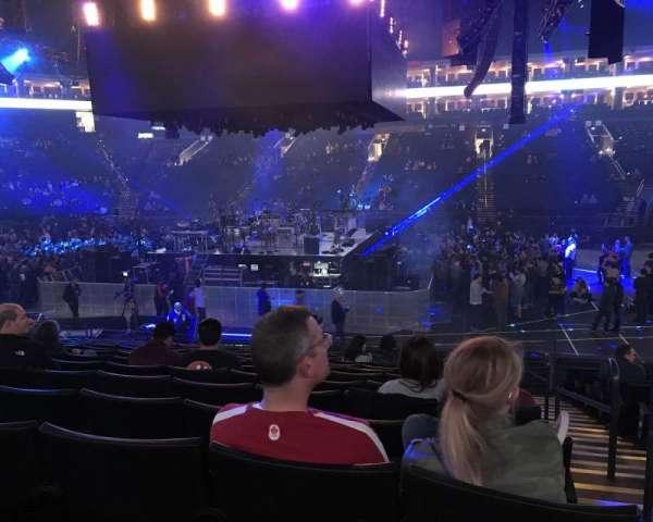Oracle Arena, secção: 128, fila: 13, lugar: 1