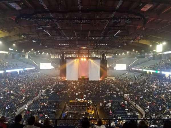 Allstate Arena, secção: 214, fila: H, lugar: 35