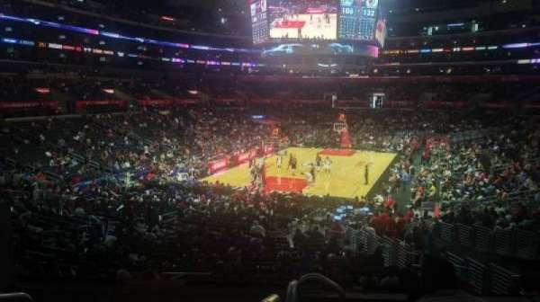 Staples Center, secção: 215, fila: 6, lugar: 3