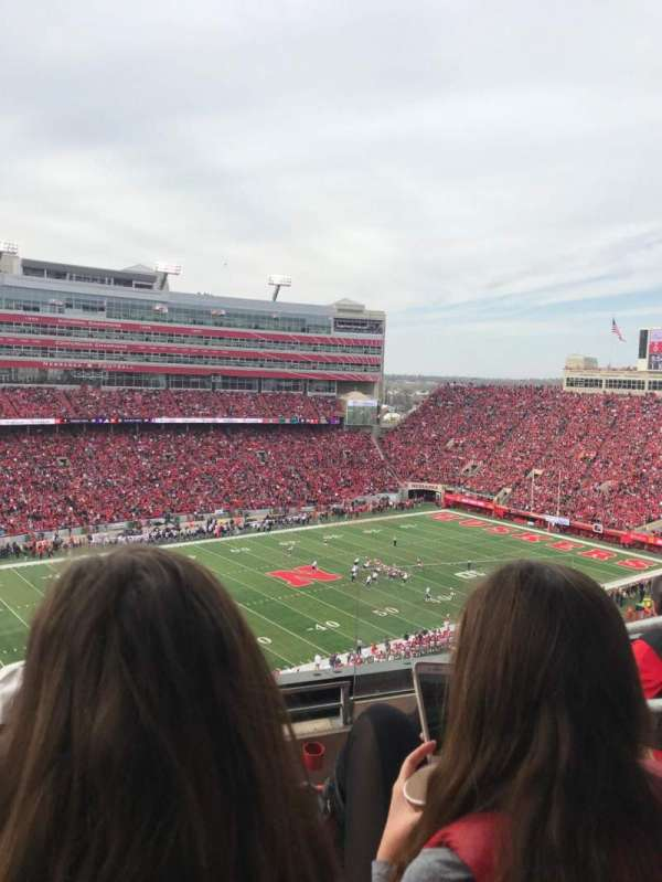 Memorial Stadium (Lincoln), secção: 412, fila: 4, lugar: 3