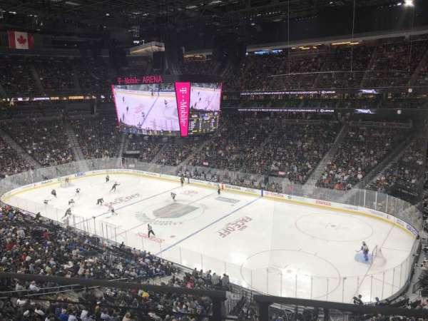 T-Mobile Arena, secção: 227, fila: 1, lugar: 3-4